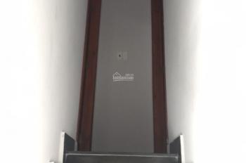 Nhà hẻm 1 lầu 2 phòng ngủ có ban công 20m2 Q7