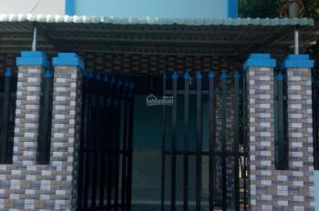 Cần tiền bán gấp căn nhà 1 trệt 1 lầu ngã 3 Mỹ Hạnh, giá 1.2tỷ(còn TLuong), DT 5X15. LH: 0705479823