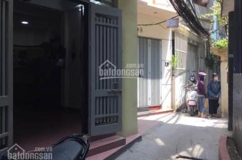 Cần bán gấp nhà 32m2 giá 2.85 tỷ phố Vĩnh Phúc, Hoàng Hoa Thám