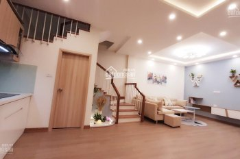Bán nhà cực đẹp phố Ngọc Lâm, cách đường ô tô tránh nhau chỉ 15m 56m2 x 3T 3PN nhà dân xây để ở