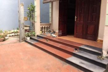 Cho thuê nhà riêng 03 tầng x 75m2 + sân vườn 50m2 ngõ 52 phố Gia Quất Long Biên, Hà Nội, 10tr/th