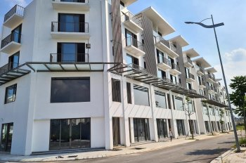 Chính chủ bán shophouse Học Viện Hậu Cần, 99m2 xây mới 5 tầng, ngay cạnh đường 40m LH 0813866386