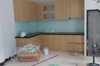 Cần bán nhà đẹp thôn Hậu Ái, Vân Canh, hướng Tây Bắc 4 tầng, 3 phòng ngủ, 3 nhà vs