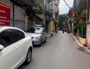 Cho thuê nhà ngõ 544 Nguyễn Văn Cừ, Long Biên, HN DT: 180m2, giá 8tr/th