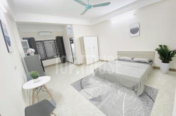 Cho thuê căn hộ CC studio, full đồ, mới toanh 30m2 giá 5tr, chỉ việc về ở phố Hoa Bằng, Yên Hoà, CG