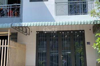 Bán nhà MT hẻm Hoàng Hữu Nam, liền kề BXMĐ mới Q9, đã có sổ riêng TT 810tr, LH Thái An để xem nhà