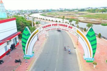Bán nhà 2 lầu trung tâm Thuận An, 80m2, thổ cư 100%, mặt tiền Nguyễn Chí Thanh