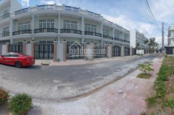 Bán nhà xây mới 100% gần chợ Bình Chánh, giá 2 tỷ, vào ở ngay. LH: 0963 836 369
