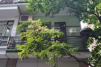 Bán nhà phố Văn Cao, phân lô - 2 mặt ô tô tránh - 3 thoáng - chủ cần bán gấp
