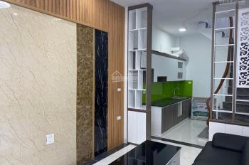 Bán nhà Bạch Đằng - Hai Bà Trưng - nhà mới cứng - 5 tầng nội thất cực đẹp - giá chỉ 2.95 tỷ
