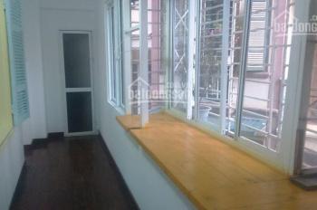 Cho thuê căn hộ chung cư phố Tông Đản Lê Phụng Hiểu 2PN, đủ tiện nghi. Giá 10tr/tháng