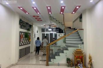 Cho thuê NR nguyên căn Nguyễn Văn Cừ, Gia Thụy, Long Biên, 60m2* 4 tầng, giá 10 tr. LH: 0967406810