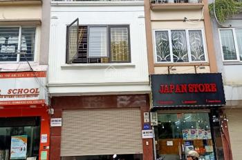 Cho thuê nhà MP Bạch Mai khu vực trung tâm, DT 58m2 x 4,5 tầng, MT 4,5m