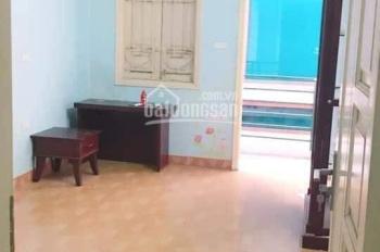Bán nhà hot hiếm Nguyễn Khánh Toàn - Cầu Giấy. 40m2 5 tầng ô tô đỗ cửa 5,2 tỷ, 0981679596
