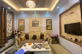 Bán nhà phố Nguyễn Văn Trỗi, DT 42m2, ô tô tránh, kinh doanh, giá 4.5 tỷ, LH Mr Quý 0943313686