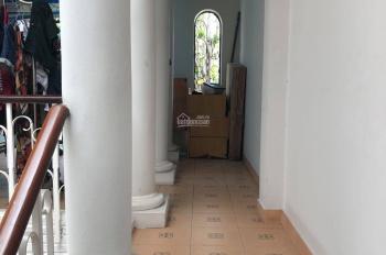 Nhà 4 tầng, cư xá Nguyên Hồng, đường 12m, DT 4x18m, khu vip, thông Phạm Văn Đồng, 18tr/th