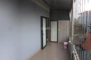 Cho thuê phòng có 2 ban công rộng, DT sử dụng 60m2 - Mễ trì thượng (Giá 2,5 triệu/tháng)