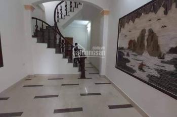 Cho thuê mặt phố Hoa Bằng - 50m2 x 4 tầng, giá 15 triệu/tháng. SĐT 0918915791