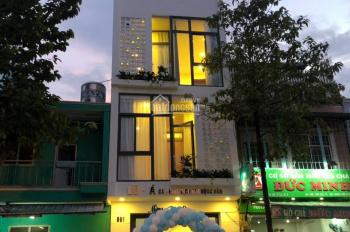 Cho thuê nhà Nguyễn Thiện Thuật, gần Bàn Cờ, Q3. DT: 6x15m, 3 tầng, giá: 25 tr/th