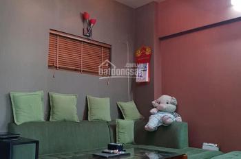 Gia đình cần bán căn 3 ngủ, DT 80.46m2 tại CT4C LĐ, đã có nội thất, nhà đẹp, LH: 0342826198 Ninh