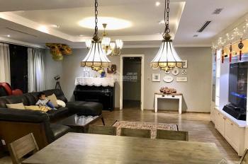 Cần bán gấp căn hộ 210m2, full NT tại Times City T10 vip, giá 10,5 tỷ bao phí. LH: 0975587230