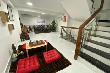 Cho thuê gấp nhà mặt tiền ngay Điện Biên Phủ, Q1. Dt 18x25m, 2 tầng, chỉ 110tr/th