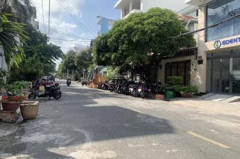 Bán nhà MTNB Đường Lê Cao Lãng, P. Phú Thạnh, Q. Tân Phú, DT 4x19m, cấp 4, giá 7.1 tỷ TL