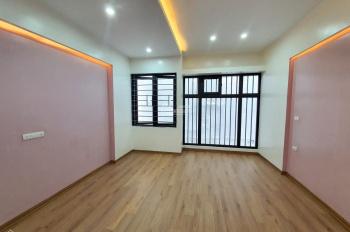 Bán nhà phân lô phố Phạm Ngọc Thạch, 35m2, 5 tầng, 4 tỷ cách ô tô 30m (0961059389)