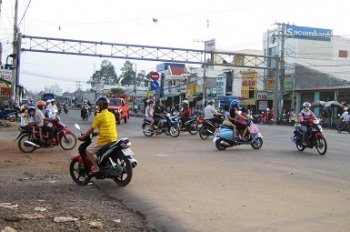 Đất cần bán ngay xã Minh Thành, 400m2/690 triệu sổ hồng riêng chính chủ, đường bê tông