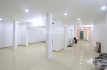 Cho thuê nhà phố Nghi Tàm, DT 200m2 x 2T, MT 8m, giá 60 tr/th. LH 0349828357
