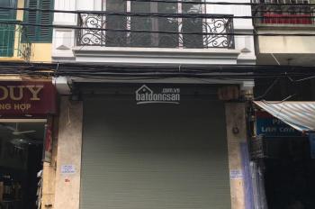 Cho thuê nhà mặt phố Hội Vũ khu vực trung tâm. DT 30m2 x 4 tầng, MT 5m, giá 20 triệu/th