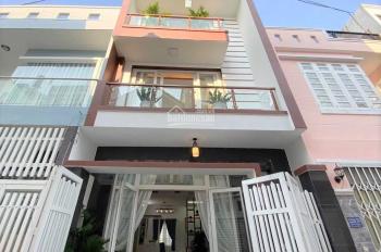 Bán gấp căn nhà 1 trệt 2 lầu 40m2 sổ hồng riêng đường hẻm Bà Hom, giá bán 2,52 tỷ