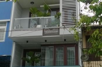 Bán gấp khách sạn mặt tiền đường Ngô Đức Kế, Quận 1. DT: 4.8x18m hầm + 8 lầu (HĐ 170tr