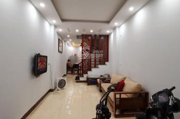Cần bán gấp nhà 35m2 xây 5 tầng, Nguyễn Quý Đức, mặt ngõ ô tô, KD tự xây, giá 2.4 tỷ. LH 0866083168