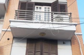 Cho thuê nhà Nguyễn Trãi, DT 35m2, MT 4m, 5 tầng, mặt đường tiện cho ô tô, giá 30 triệu/tháng