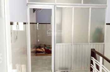 Nhà cho thuê đường An Bình, P5, Q5 (lắp sẵn máy lạnh), 2PN, 2WC, giá 8 tr/th. LH: 0901886271