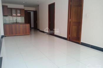 Cần cho thuê gấp căn hộ Giai Việt DT 82m2, 2 phòng ngủ, giá thuê 10tr/th. Xem nhà LH Vân 0908726719