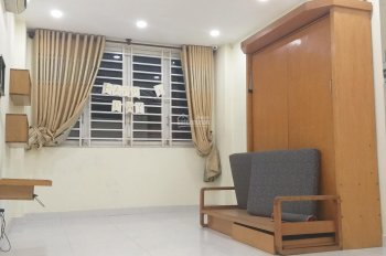 Cho thuê nhà MT Vạn Kiếp ngay Phan Xích Long. DT 4x10m, nhà 3 lầu, giá thuê 33 triệu/tháng