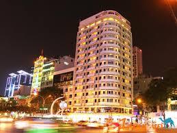 Bán khách sạn MT Đồng Khởi cạnh nhà hát Sài Gòn, Quận 1, 2 hầm + 10 lầu, TN 10 tỷ/năm, giá 190 tỷ