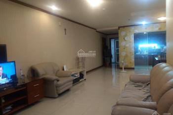 Cần cho thuê gấp căn hộ tầng trệt chung cư Giai Việt Hoàng Anh, Quận 8. Diện tích 150m2, 3PN, 2WC