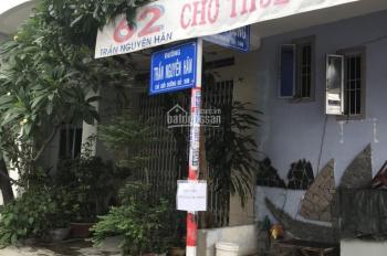 Cho thuê nhà nguyên căn mặt tiền Trần Nguyên Hãn, gần chợ xóm mới, giá 15tr/th. LH 0977681668