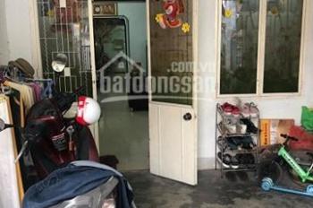 Bán nhà kiệt ô tô Trần Phú - Ô tô đậu trước nhà