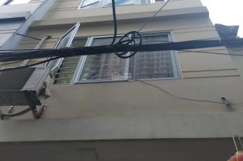 Chủ nhà nhờ bán giúp nhà ngõ 120 Kim Giang, Thanh Xuân, Hà Nội, DT 30 m2, 5 tầng, mặt tiền 4,2 m