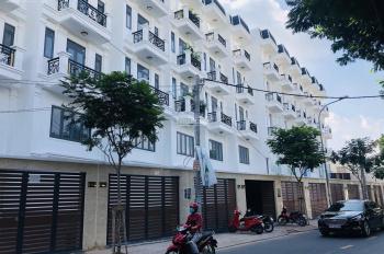 Nhà phố sân vườn view sông Sài Gòn - có thang máy trong nhà. Dt: 4*17m, thanh toán 2 tỷ nhận nhà
