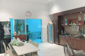 Bán nhà phố KDC Trung Sơn, nhà đẹp, thoáng mát giá 12,5 tỷ LH: C. Duyên 0937777279, 0901023479