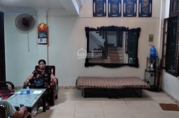 Cho thuê nhà 40m2 x 4 tầng mặt ngõ 105 Bạch Mai, taxi đỗ cửa, 2 phòng ngủ, full đồ. Giá 9.5 tr/th