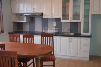 Cho thuê căn hộ chung cư tại 102 Thái Thịnh 104m2, 3PN, 2VS đồ cơ bản giá 12tr/th. LH: 0794161676
