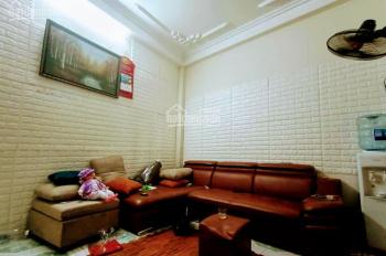 Cần bán nhà đẹp 41m x 4 tầng, 3.15 tỷ quận Hai Bà Trưng , Hà Nội. LH: Anh Hồng: 0357970351.