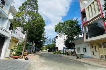 Bán nhanh lô đất 100m2 (5x20m) 100% thổ cư mặt tiền Nguyễn Phi Khanh, P9 đầy đủ tiện ích chỉ 6 tỷ