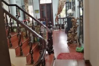 Bán nhà đường Văn Cao, Liễu Giai Lô góc 3 thoáng, Oto đỗ cửa 45M2 X4.5T giá 11.9 tỷ, LH 0976481468